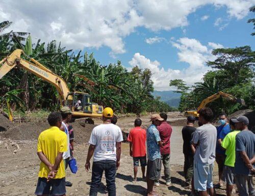 Visita às comunidades afectadas na aldeia Ailoc, Suco de Hera
